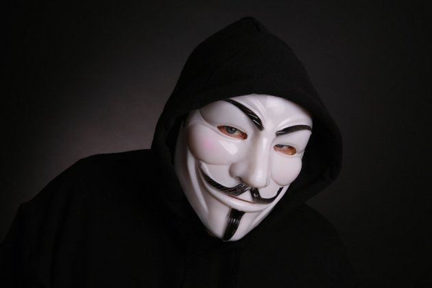 Anonymous Hackers Dox Missouri KKK Leader    Release Phone, Credit Card Numbers, More image missouri kkk leader gets hacked 900x600