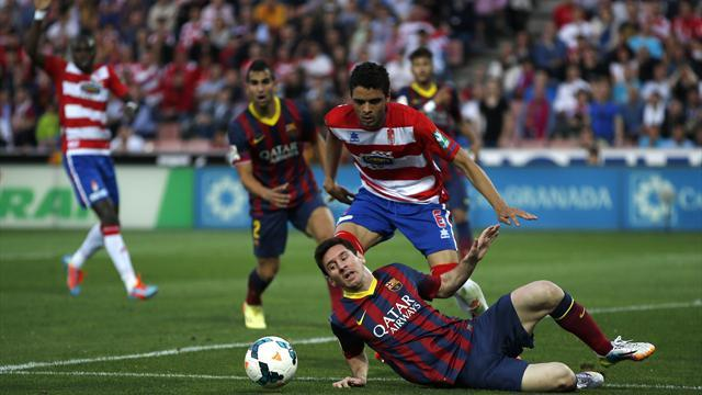 Liga - Barcelona slump to damaging defeat against Granada