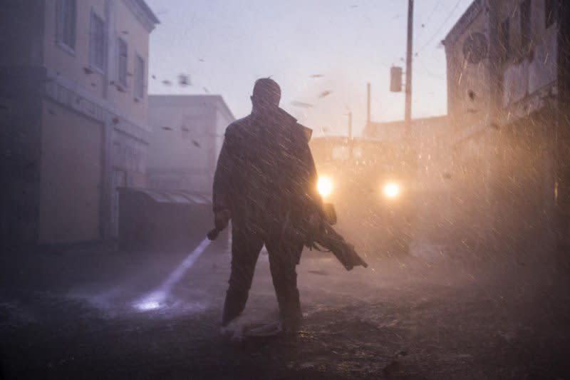 <p>五、《玩命颶風》The Hurricane Heist:由首集《玩命關頭》導演羅伯柯恩操刀,《玩命颶風》結合了刺激搶案和駭人天災的雙重元素,然而在美國颶風災情頻傳之下,觀眾顯然已沒心情再進戲院觀賞這類災難電影了。耗費三千五百萬美金拍就,本片最終僅收回了三千一百萬美金的全球票房,口碑也未能發酵。比起電影劇情而言,票房似乎才是真正的災難。(圖:Yahoo Taiwan) </p>