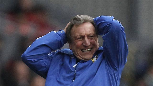 Football - Warnock expects rollercoaster in run-up