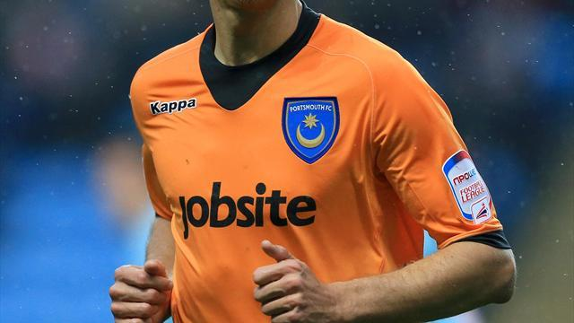Football - Benson extends Pompey loan