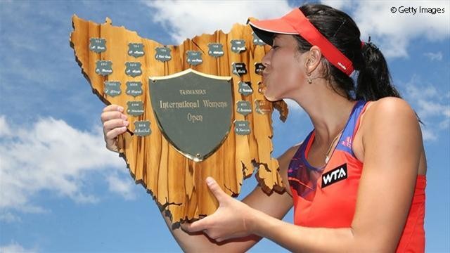 Tennis - Dominant qualifier Muguruza wins first WTA title in Hobart