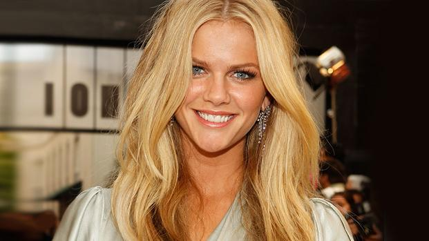Brooklyn Decker thumb