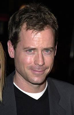 Premiere:  Greg Kinnear at the Los Angeles premiere of Paramount Classics' The Gift - 12/18/2000
