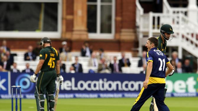 Cricket - Yorkshire Bank Pro40 Final - Glamorgan v Nottinghamshire - Lord's Cricket Ground