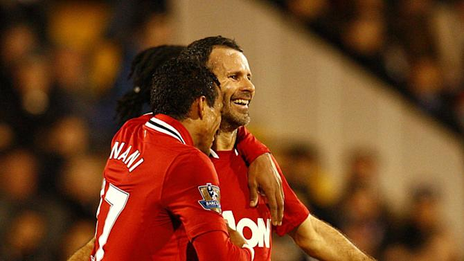 Ryan Giggs (right)