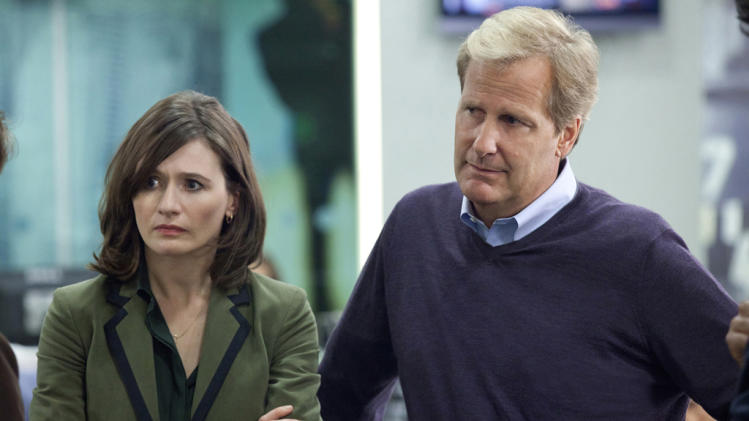 Emily Mortimer and Jeff Daniels