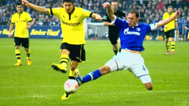 Bundesliga - Schalke and Dortmund ready for battle