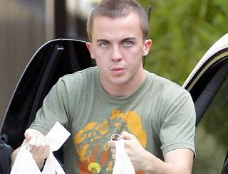 pst Frankie Muniz Gets Smart