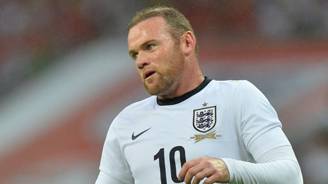 Football - Rooney 'doesn't deserve place in England team'