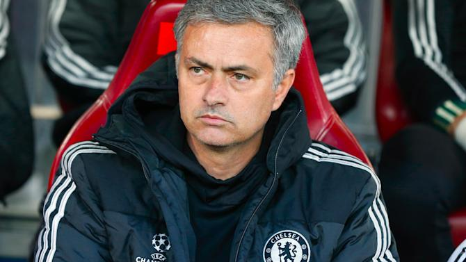 Premier League - Mourinho: Smoking sets bad example to kids