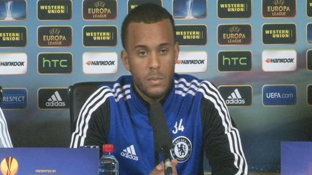 Premier League - Bertrand happy with Chelsea
