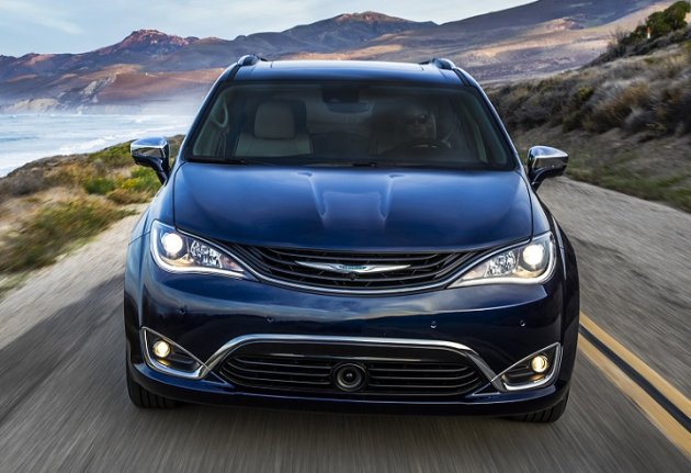 test drive 2017 chrysler pacifica hybrid yahoo finance canada. Black Bedroom Furniture Sets. Home Design Ideas