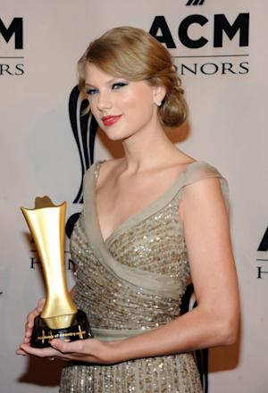 Taylor Swift Rocks a Mint Green Frock, Plus Other Celebs Who Have Done the Same