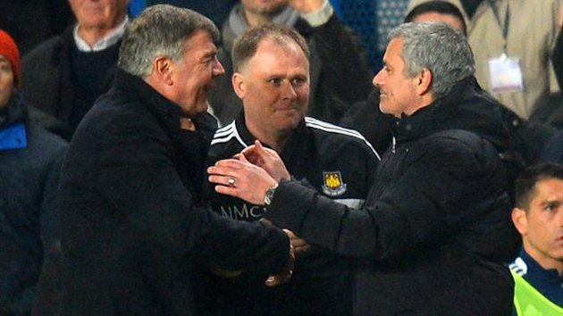 Manager Sam Allardyce of West Ham shakes hands with Jose Mourinho manager of Chelsea (Getty Images)