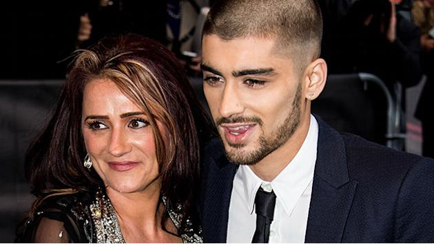Zayn Malik Thanks One Direction at Asian Awards: 'Four of the Best Guys I've Ever Met'