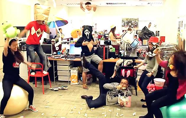 Singaporeans get on the 'Harlem Shake' dance craze. (YouTube screengrab)