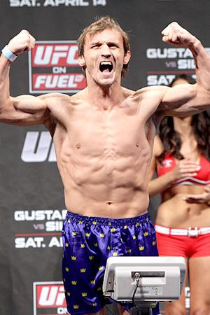 UFC on Fuel TV 5 Fighter Bonuses: Brad Pickett Leads the Way with Knockout of the Night
