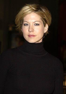 Premiere: Jenna Elfman at the Hollywood premiere of Vanilla Sky - 12/10/2001