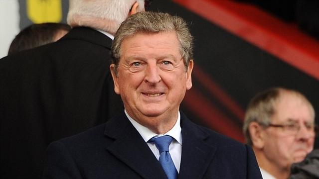 Football - Hodgson builds bridges with Manaus