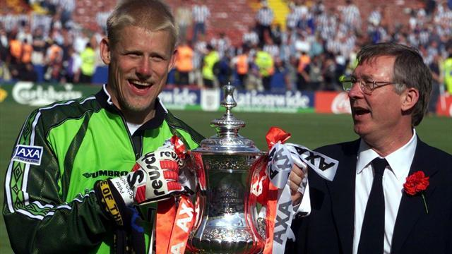 Premier League - Schmeichel: Does Fergie have a book out?