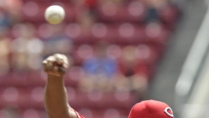 Simon turns in solid start in Reds win over Braves