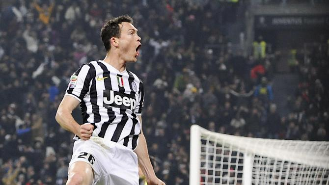 Juventus defender Stephan Lichtsteiner, of Switzerland, celebrates after scoring a goal during a Serie A soccer match between Juventus and Inter Milan at the Juventus stadium, in Turin, Italy, Sunday, Feb. 2, 2014