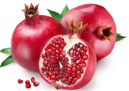 Eat pomegranates to ward off sunburn: Pomegranates are a rich source of ellagic acid, which can help protect your skin from UVA- and UVB-induced cell damage, according to research from the Department