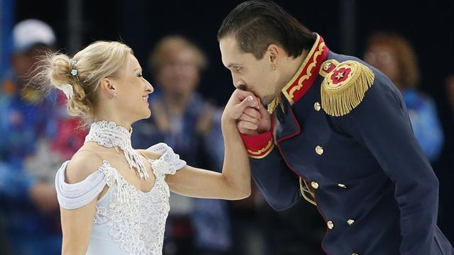 Figure Skating - Russians in pole position for team glory