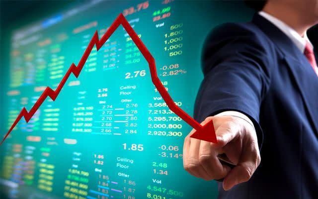 Il mercato si è girato al ribasso nel breve: i titoli nel mirino
