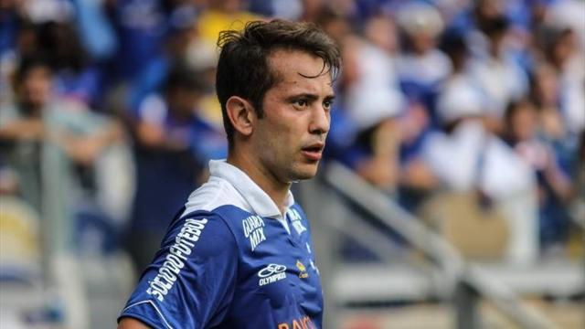 South American Football - Cruzeiro waste two-goal lead in stormy Libertadores match