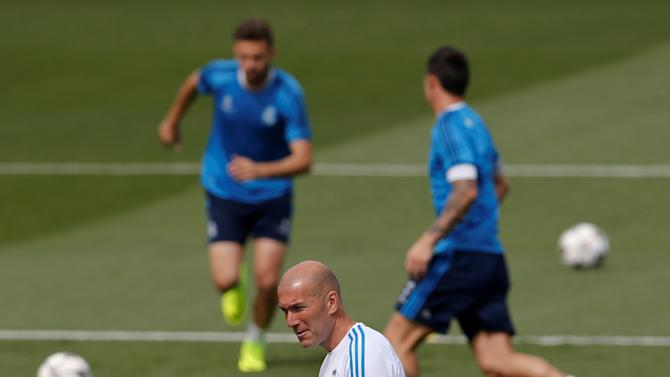 Football Soccer - Real Madrid traininng session