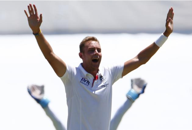 England's Broad appeals for an unsuccessful wicket of Australia's Harris during the second day of the third Ashes test cricket match in Perth