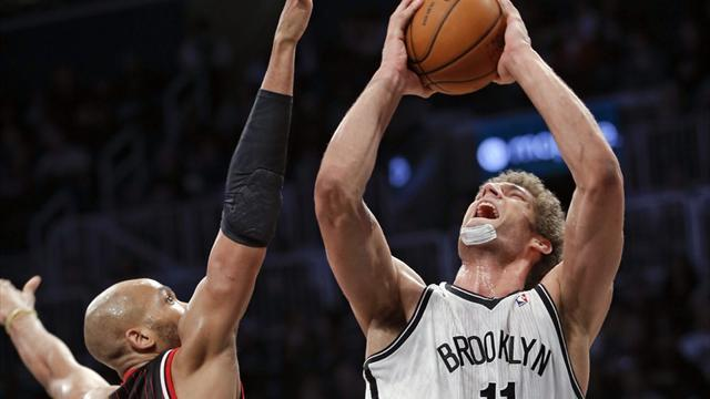 Basketball - Brooklyn Nets overcome road warrior Bulls