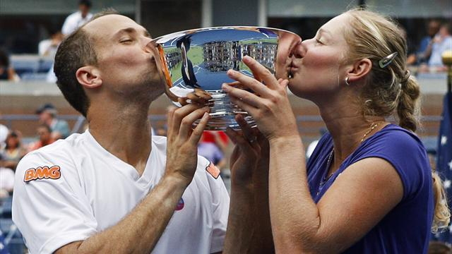 Soares, Makarova win US Open mixed doubles title