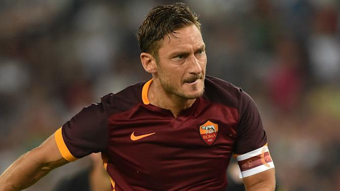 Totti steps up injury rehab
