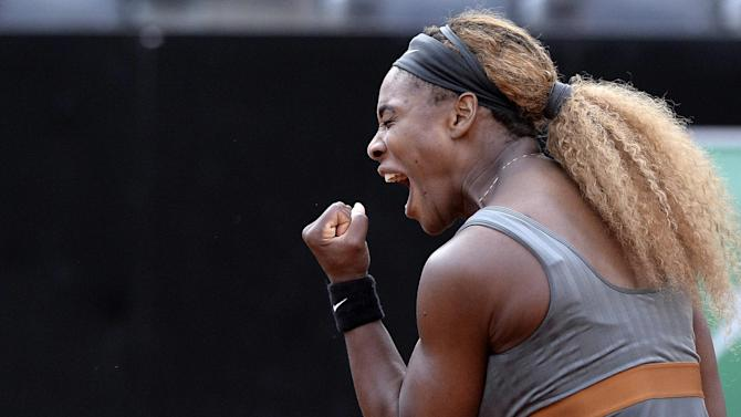 Tennis - Serena returns with win in Stanford
