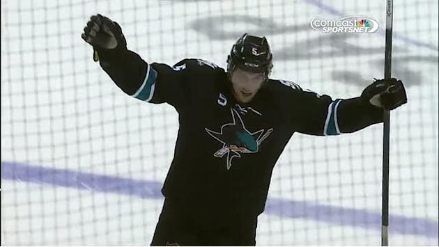 Vlasic finds the five-hole on Quick