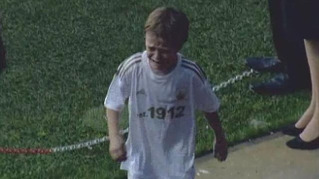 Premier League - Penalty redemption for tearful kid at Swansea