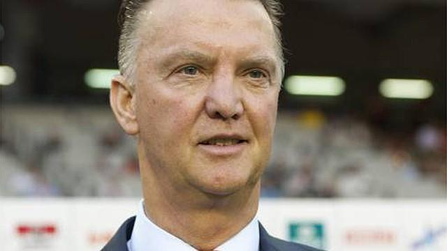 World Cup - Belgium trounce Dutch as Van Gaal starts poorly