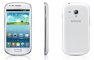 Made for those who wants Samsung's flagship model in a smaller package.