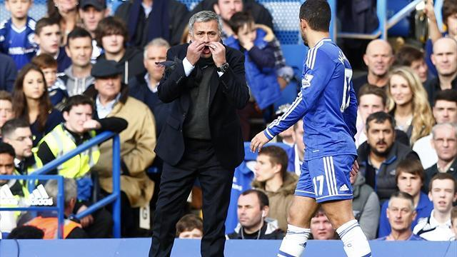 Premier League - Mourinho: Hazard 'doesn't sacrifice himself for the team'