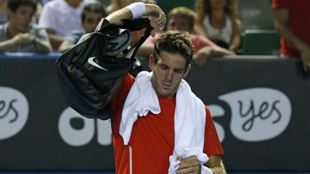 Australian Open - Fifth seed Del Potro dumped out, Tsonga through