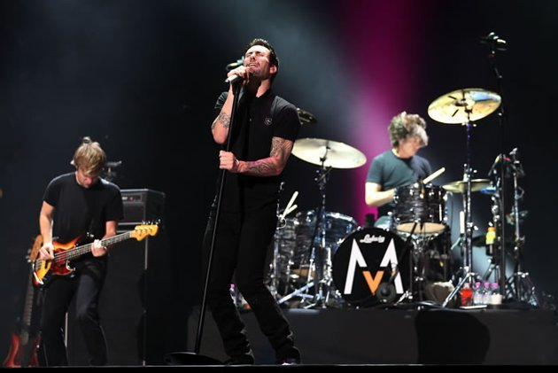 Adam Levine and Maroon 5 rock it up at the Padang (Getty Images/ Chris McGarth)