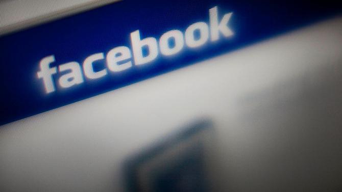 Why Facebook Shouldn't Let The World See Your Teens' Pictures