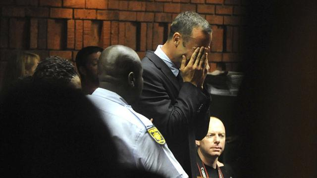 Pistorius case - Pistorius disputes Steenkamp murder charge