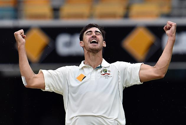 Australia paceman Mitchell Starc has suffered a stress fracture in his right foot