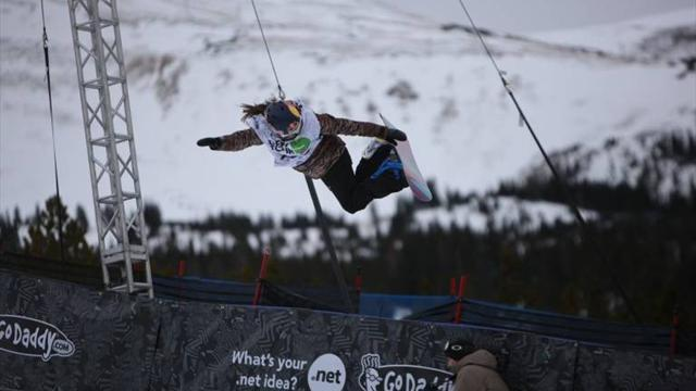 Snowboard - Gold and Podladtchikov win world halfpipe titles
