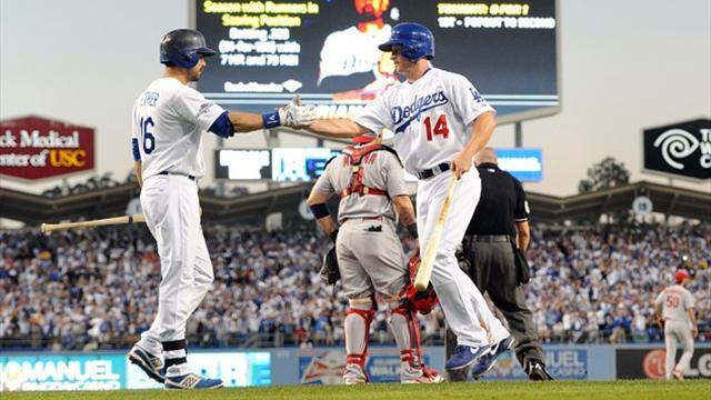 Baseball - Dodgers end scoring drought to down Cardinals