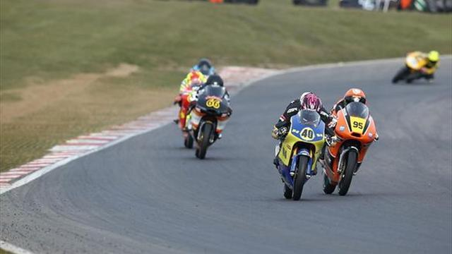 Superbikes - Oulton BSB: Francis takes his first Motostar victory